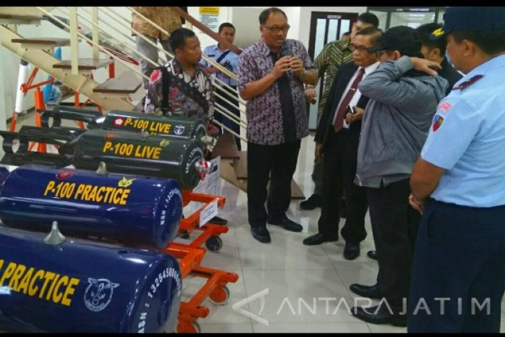 Sebelas Anggota Komisi I DPR RI Kunjungi Pabrik Pembuatan Bom di Malang
