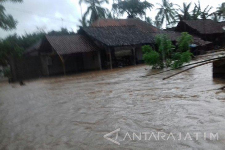 185 Rumah Warga Jember Terendam Banjir Lumpur