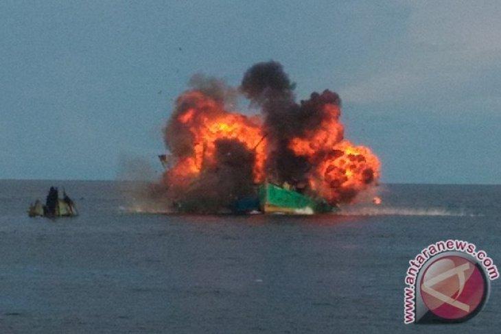 Delapan Kapal Nelayan Vietnam Ditenggelamkan
