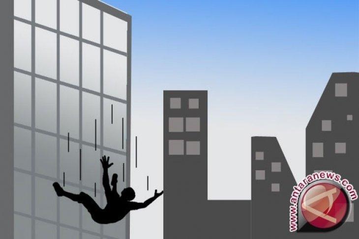 Lompat dari lantai empat rumah sakit, seorang PDP COVID-19 tewas