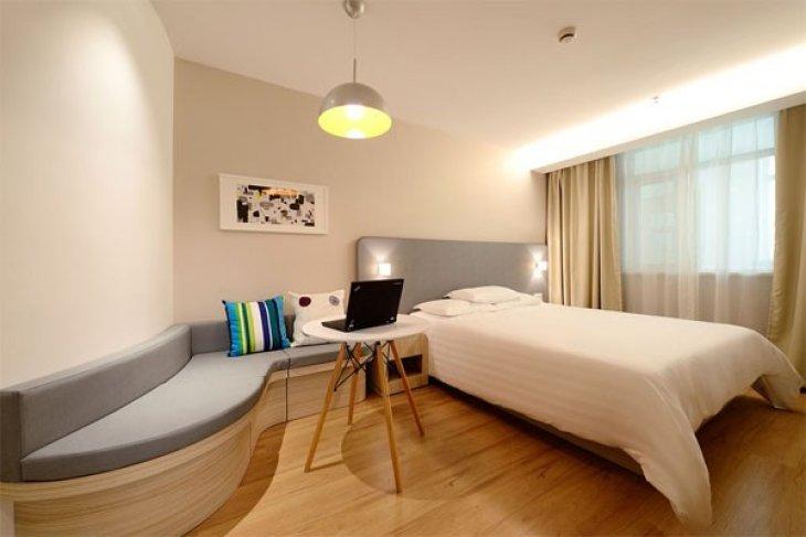 Hotel Simpang Singkawang Diduga Tak Sesuai Ketentuan