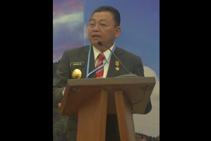 Gubernur Ajak Pemda Bersama Selesaikan Masalah Kemiskinan