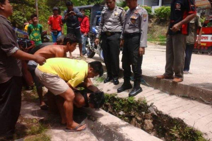 Aniaya warga, dua polisi diamankan di Polres Aceh Timur