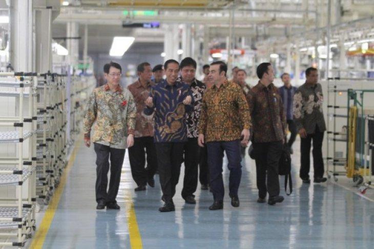 President Jokowi inaugurates new Mitsubishi factory in Bekasi