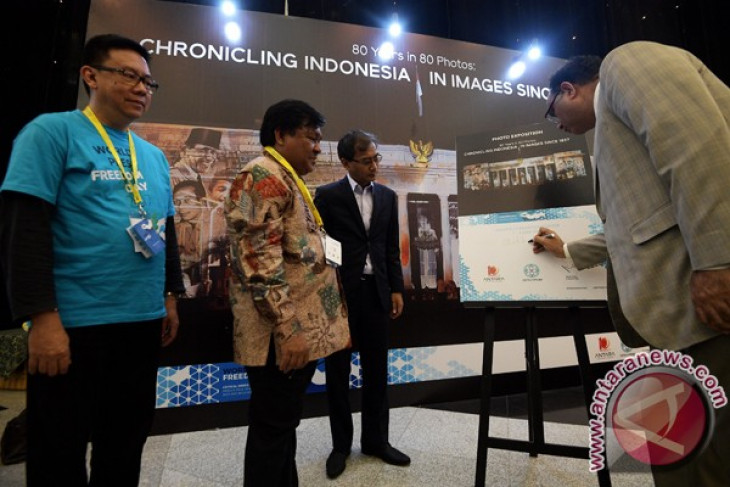 ANTARA photography exhibits Indonesia`s historical moments