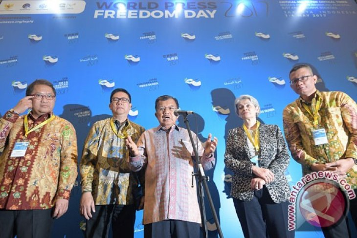 VP Kalla urges Indonesian journalists to use accurate data