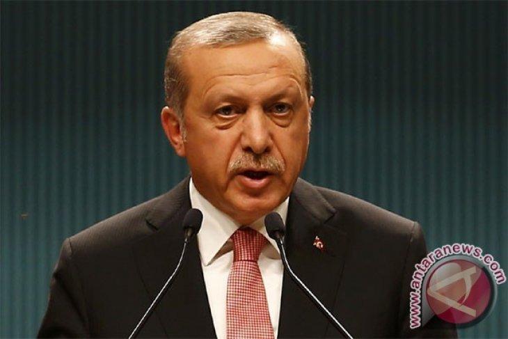 Presiden Turki, Prancis Bahas Suriah dan Irak Melalui Telepon
