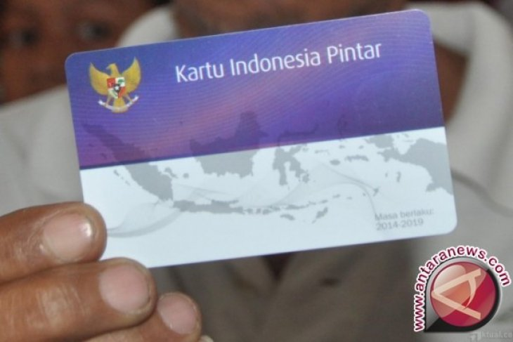 Dinas Pendidikan dan Kebudayaan Kabupaten Bangka Salurkan 500 Kartu Indonesia Pintar