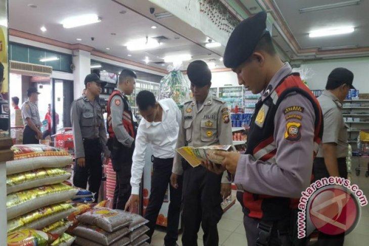 Polres Ketapang Sidak Pasar dan Minimarket