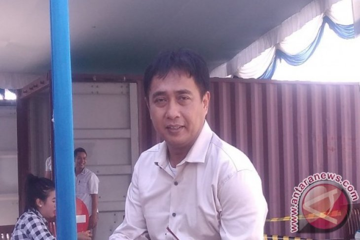 Aktivitas Bongkar Muat Peti Kemas di Pelabuhan Pangkalbalam Meningkat