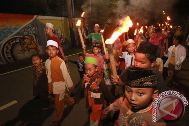 All Indonesian Muslims in Lebaran festive mood
