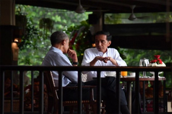 Obama enjoys bakso in Bogor