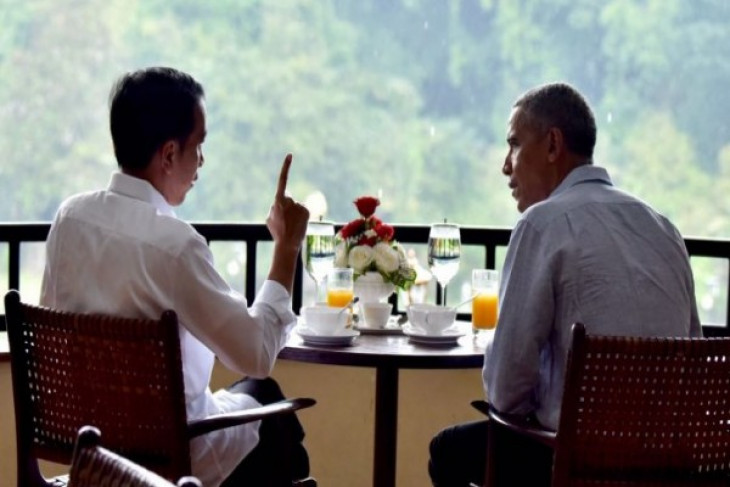 Jokowi, Obama talk over tea