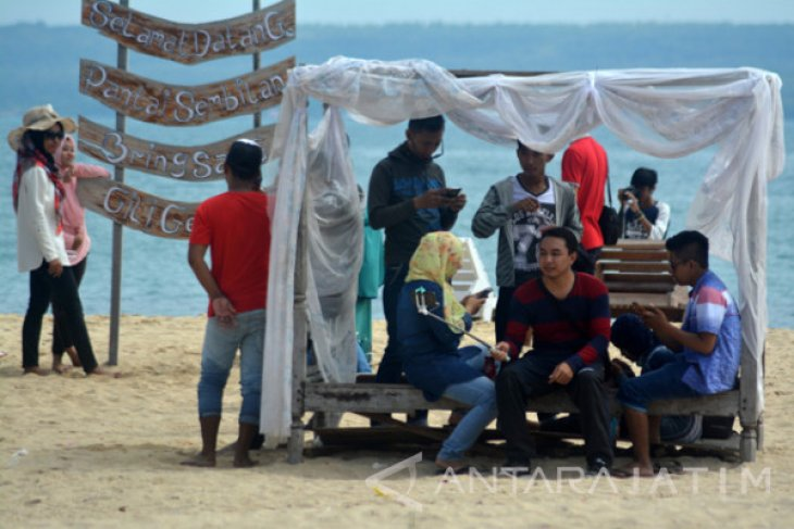 Scores Of Foreign Tourist Visit Sumenep