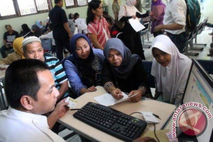 Orang tua siswa Bekasi keluhkan jaringan `lemot`