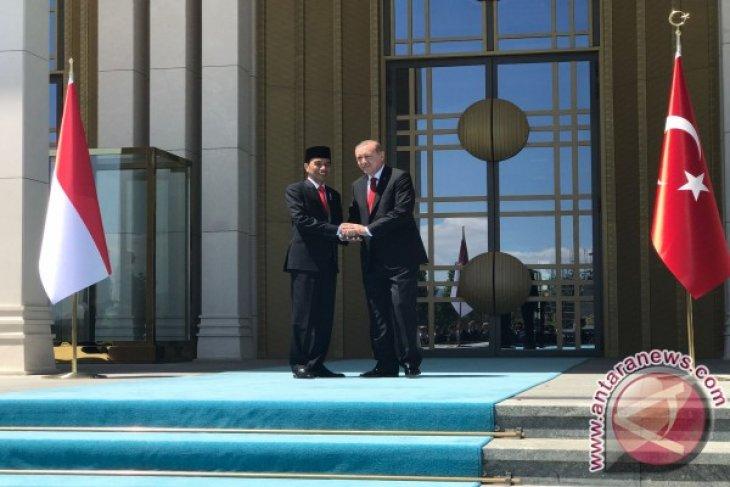 President Jokowi commences state visit to Turkey