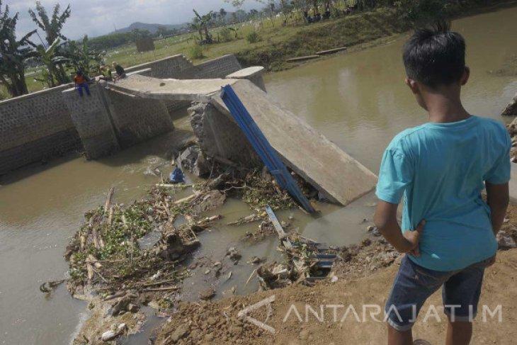 Curiga, Kejaksaan Tulungagung Selidiki Dam Irigasi Ambrol