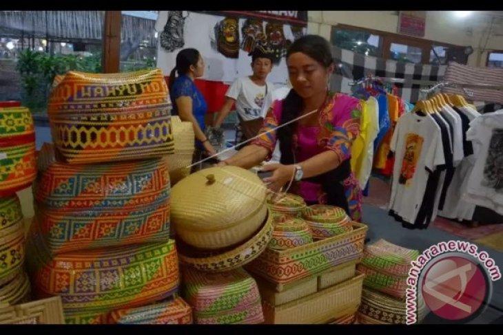 OJK Bali harapkan suku bunga kredit turun dongkrak KUR