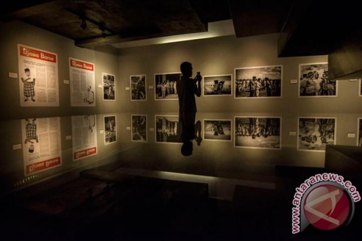 """Antara showcases 111 photographs in """"2017 flashbacks"""""""