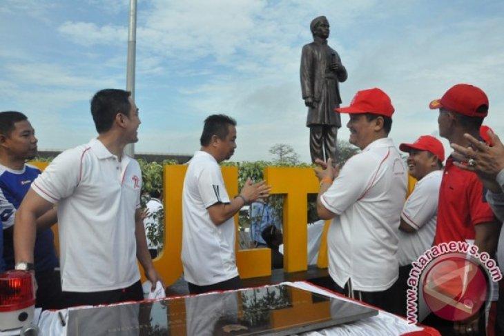 Gubernur Jambi resmikan patung pahlawan di bandara