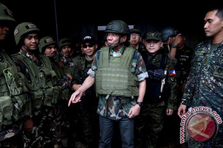 Kemenhan: tawaran Duterte masih perlu dibahas bersama