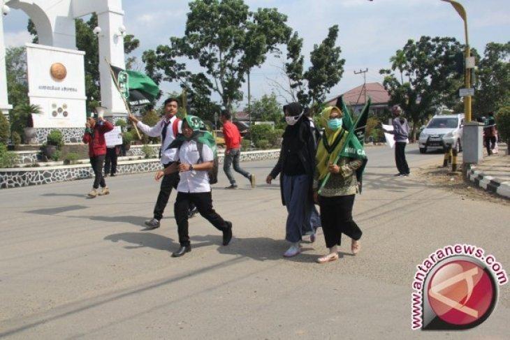 Warga Kalsel Desak Pemerintah Bantu Muslim Rohingya