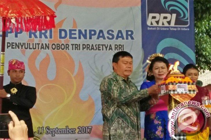 Sekda Denpasar Hibur Karyawan RRI Denpasar