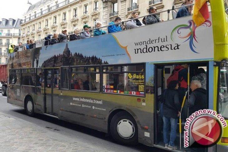 Bis Wisata di Paris Promosikan Wonderful Indonesia