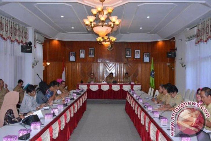Komisi I DPRD Kalsel Pantau KTP Elektronik Di HSS
