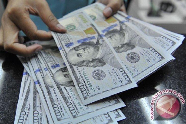 Dolar AS menguat di tengah penurunan sterling