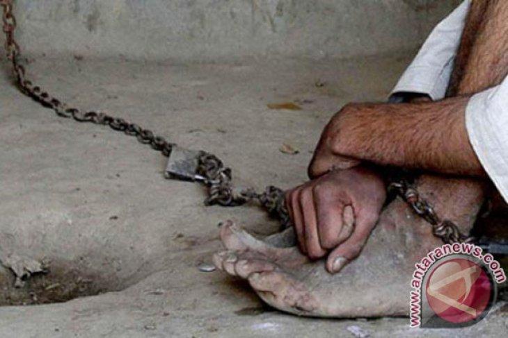 Mayor to declares Banjarmasin free of shackle