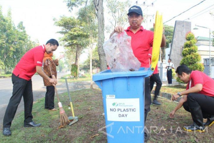 BPJS Ketenagakerjaan Peduli Lingkungan Sekitar