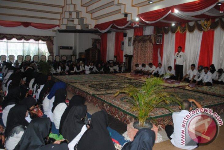Disdik Gelar Silaturrahmi Guru Honor HSS