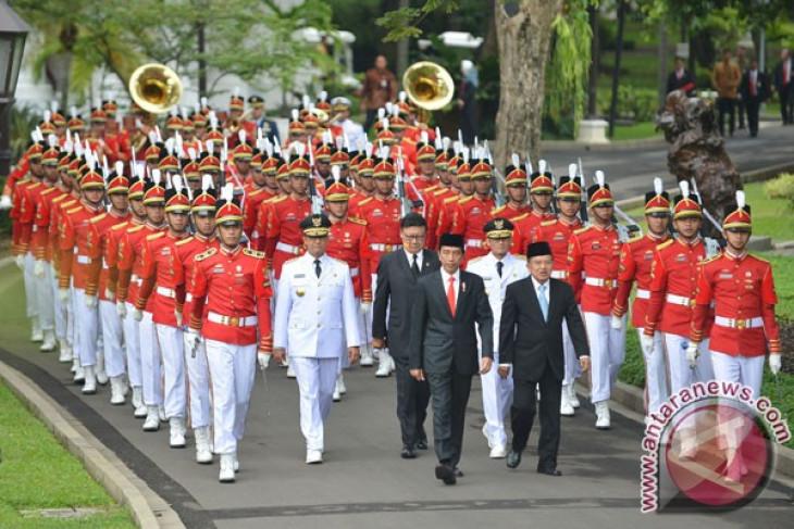 President Jokowi inaugurates Baswedan, Uno as Jakarta governor, vice governor