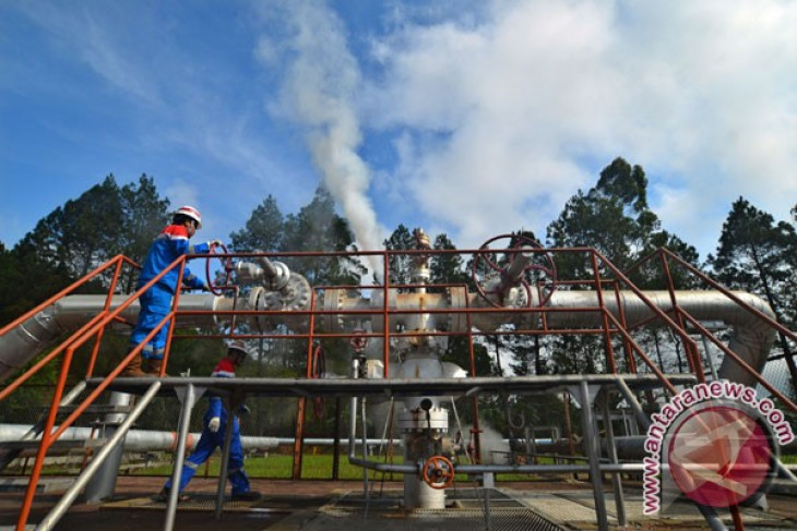 Geothermal potential to contribute to energy security in Indonesia