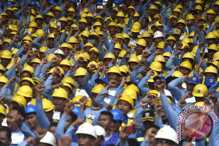 Indonesian construction workers can compete with Japanese, Germans: Jokowi