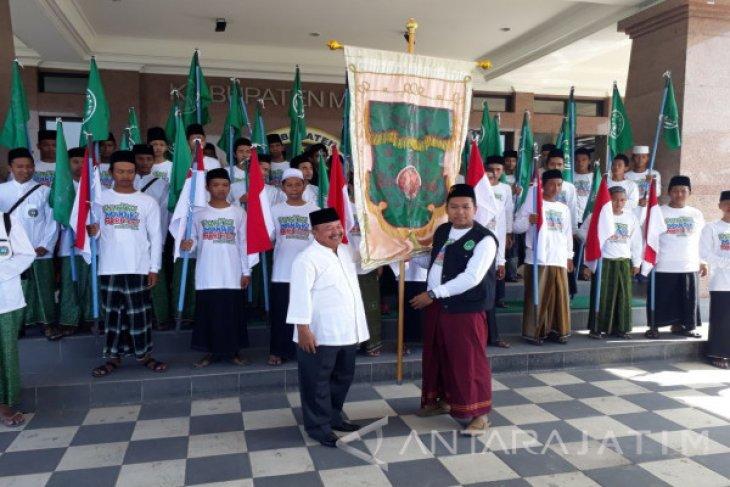 IPNU Jatim-Nurul Jadid Gelar Kirab Sambut Hari Santri