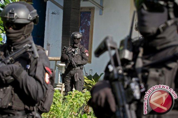 Densus 88 tangkap 12 terduga teroris di Kalsel, Bali dan NTB
