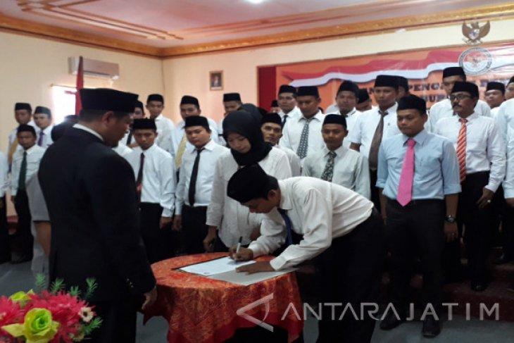 Panwascam di Sejumlah Kota/Kabupaten di Jawa Timur Belum Dilantik (Video)