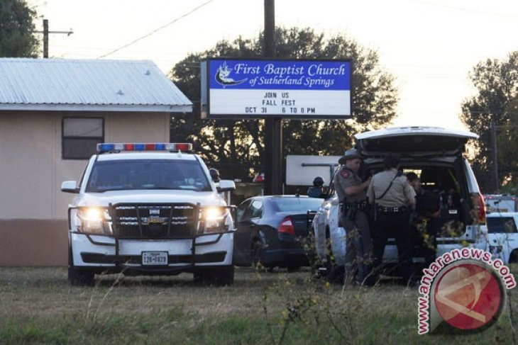 FBI Akses Ponsel Penembak di Gereja Texas