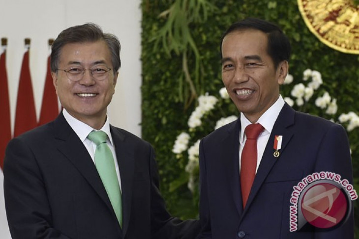 Jokowi, Moon discuss security situation in Korean Peninsula