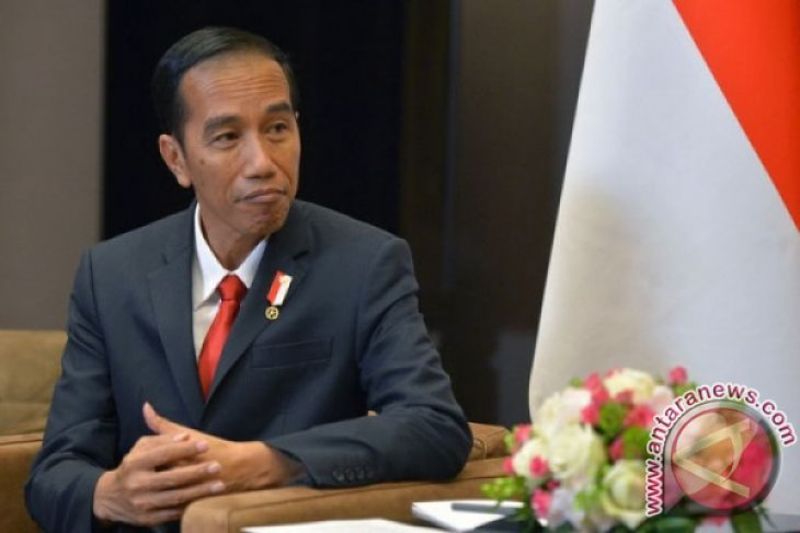 Presiden Jokowi Hadiri KTTLB OKI Istanbul