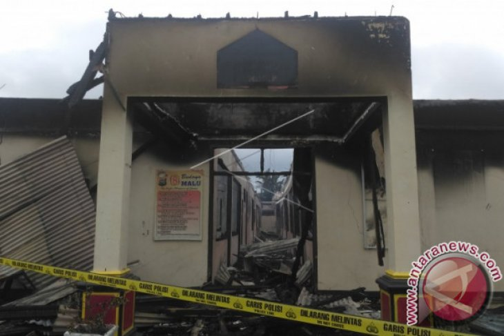 Kantor Polisi Dharmasraya Dibakar Orang Tak Dikenal