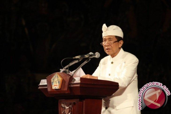 Gubernur Pastika Pastikan Dana Bencana Agung Cair (Video)