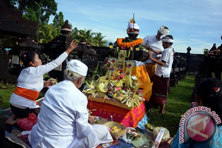Polda Bali lakukan ziarah ke TMP Tabanan