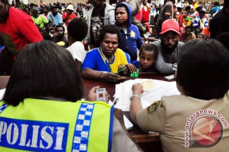 320 children take refuge in Jayawijaya due to firefights in Nduga