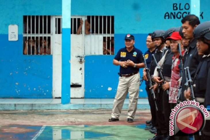 Pembesuk Selundupkan Senjata Api Kepada Tahanan Untuk Kabur Dari Lapas Pekanbaru