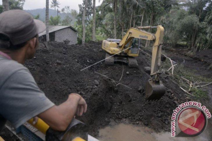 PUPR Bangun Bronjong Penahan Lahar Gunung Agung