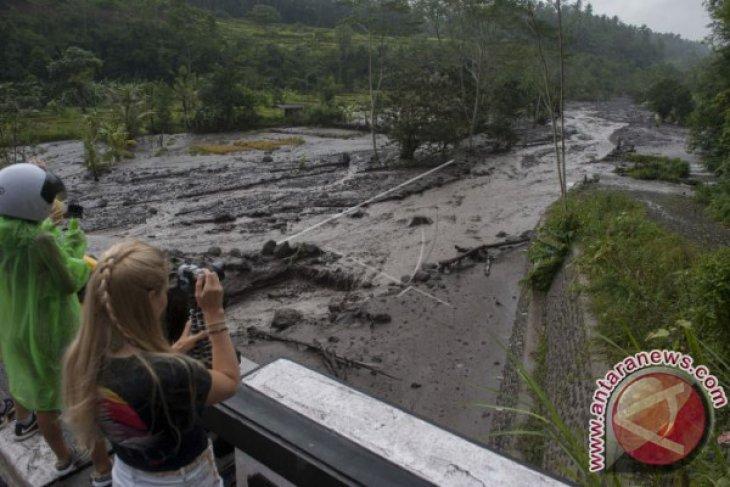 Lahar Hujan Berintensitas Tinggi Rusak Infrastruktur