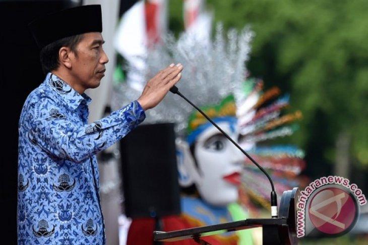 President Jokowi leads ceremony to celebrate civil servants` association anniversary